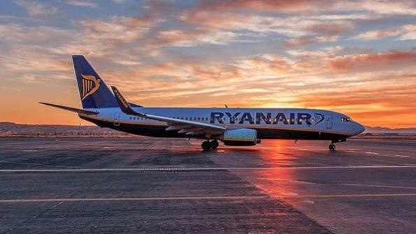 Ryan Air 737 at sunset